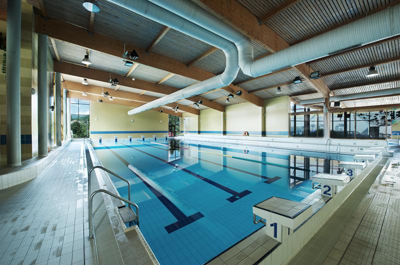 Foto vnitřního 25m bazénu